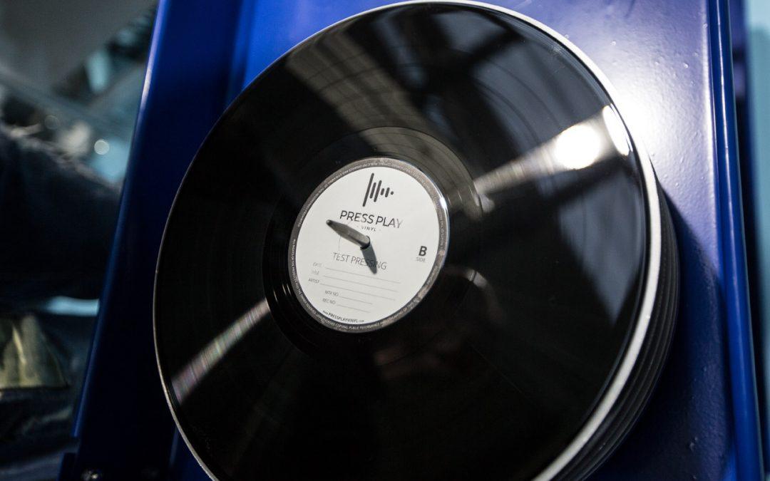 Ha nacido Press Play Vinyl… ¡Larga vida al vinilo!